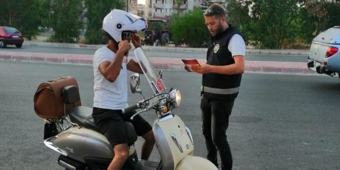 ANTALYA EMNİYETİ'NDEN KASKSIZ GEÇİŞE 'DUR!'