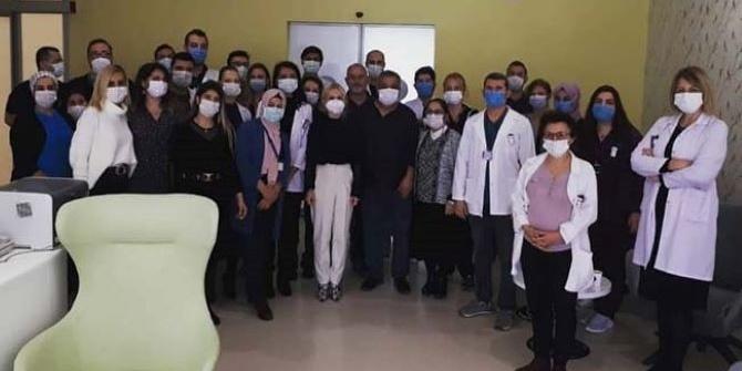 AÜ'de Skandal Yılbaşı Kutlaması Hastaları Tehlikeye Attı!